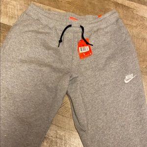 NWT Nike MSN's Jogger Slim, Size L